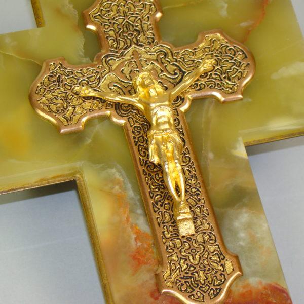 olbrzymia krzyż złocony